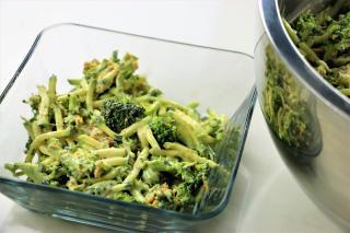 Broccoli, zucchini, salad, bacon, ranch