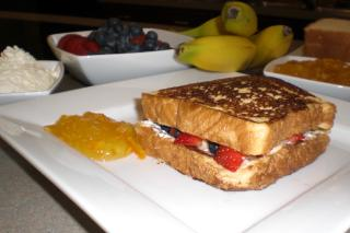 Saladmaster Recipe French Toast and Fruit Sandwiches