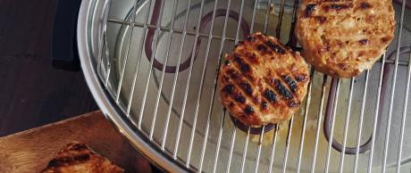 Saladmaster smokeless broiler pan for grilling
