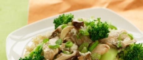 Saladamster Healthy Solutions 316 Ti Cookware: Chicken and Broccoli Stir-Fry