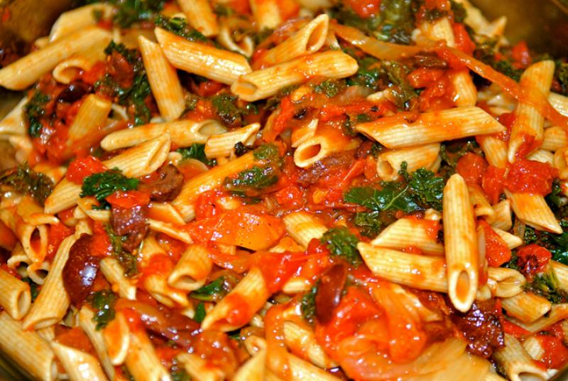 Penne with Kale, Tomatoes and Olives | Saladmaster Recipes